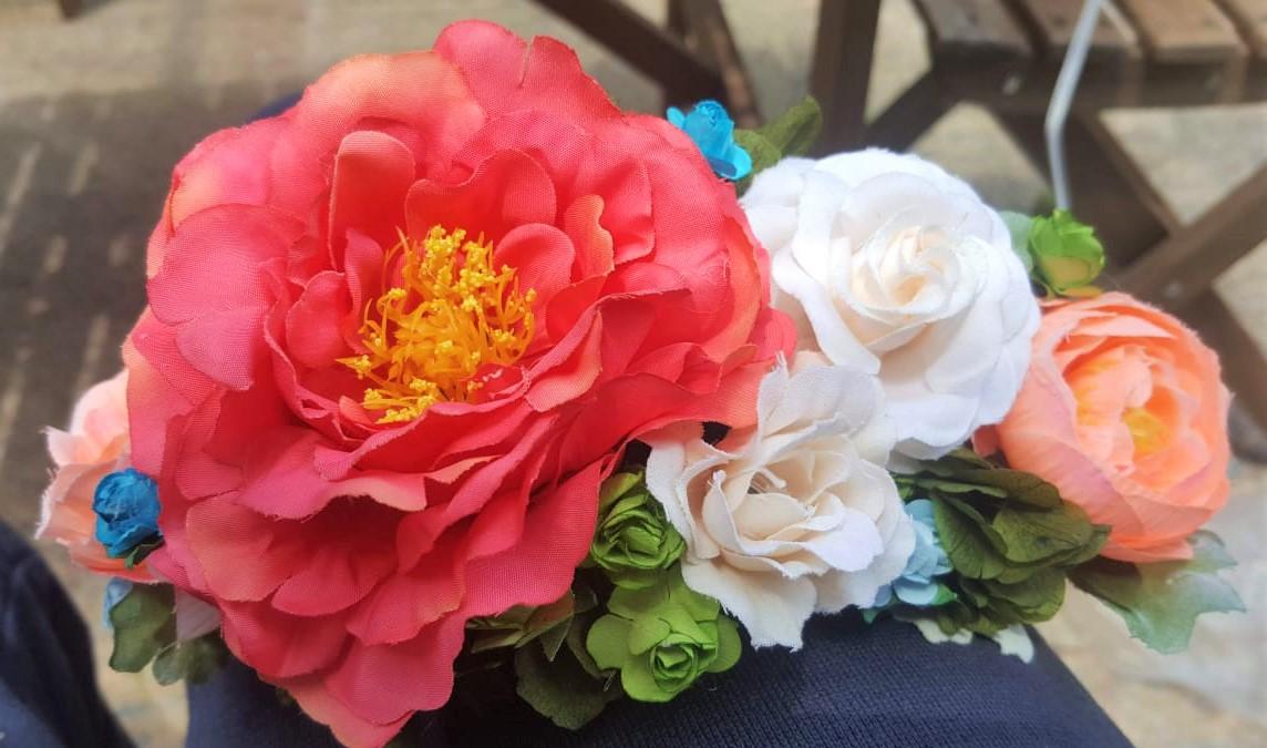 Tocados de flores para la feria