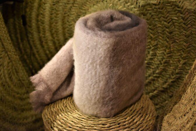 Manta de mohair tartán piedra