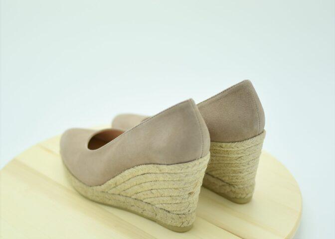 Cuña de esparto tipo Zapato de Salón Color Piedra